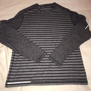 Men's lululemon long sleeve T.